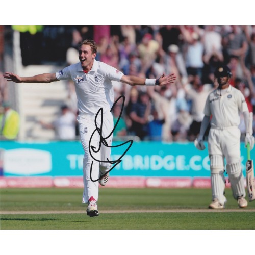 Stuart Broad 8x10 Signed England Cricket Photograph