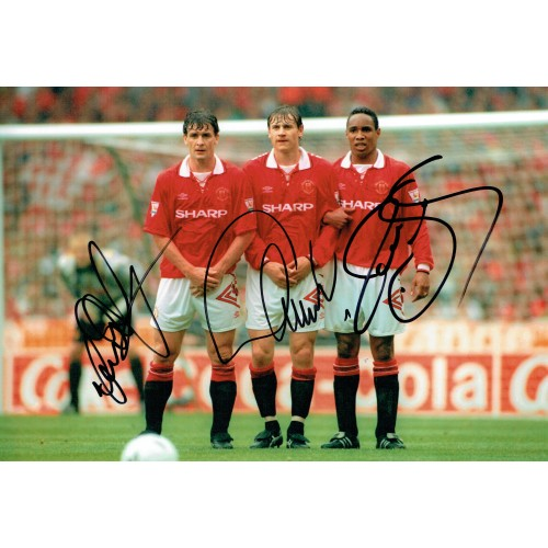 Mark Hughes, Andrei Kanchelskis & Paul Ince Triple Signed Manchester Utd 12 x 8 Photograph