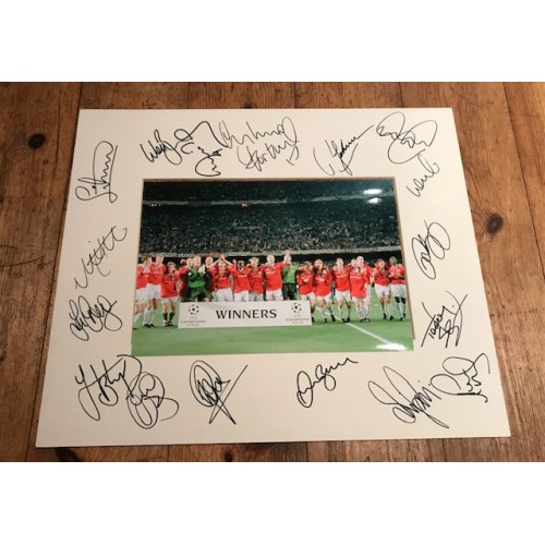 Manchester Utd Mount Signed By 18 Players From The 1999 Treble Winning Squad